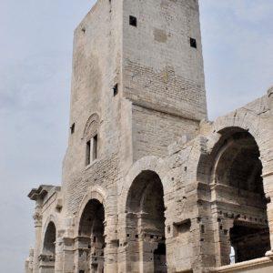 Arles...